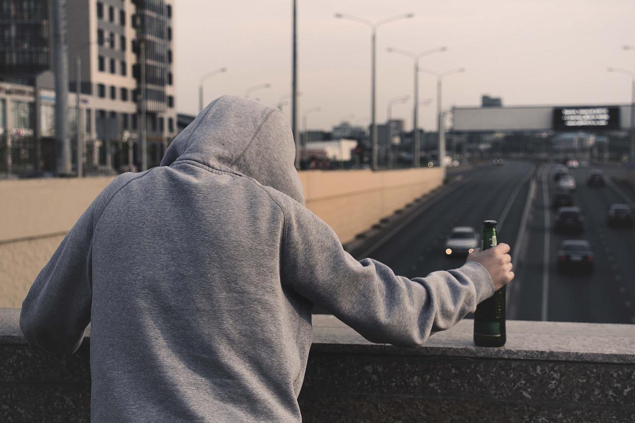 Как отправить на принудительное лечение от алкоголизма своего сына